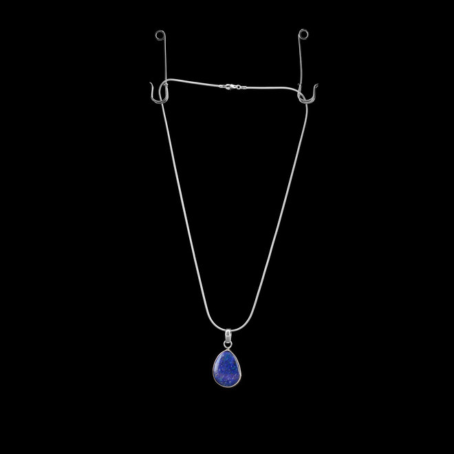 Lapis Lazuli hanger 'Caerula' gezet in 925 zilver
