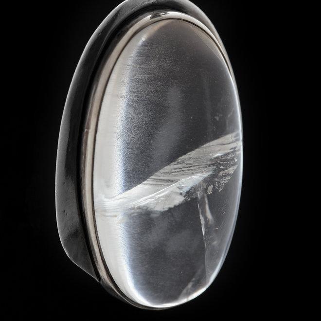 Bergkristal hanger 'Cristallum' gezet in 925 zilver