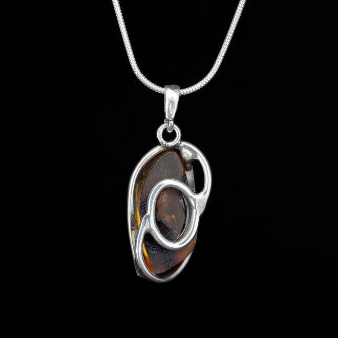 Barnsteen hanger 'Horreum' gezet in 925 zilver
