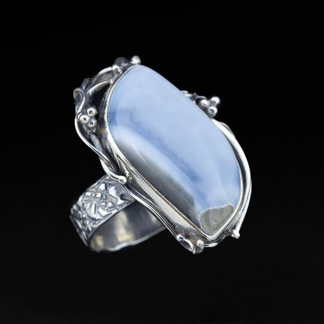 Blauwe Owyhee opaal ring 'Lake'
