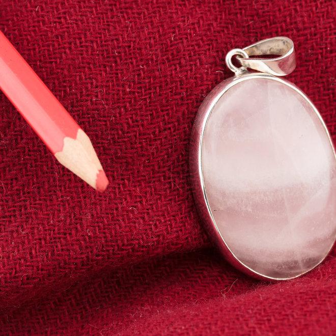 Rozenkwarts Hanger 'Pada', gezet in 925 zilver uit eigen atelier