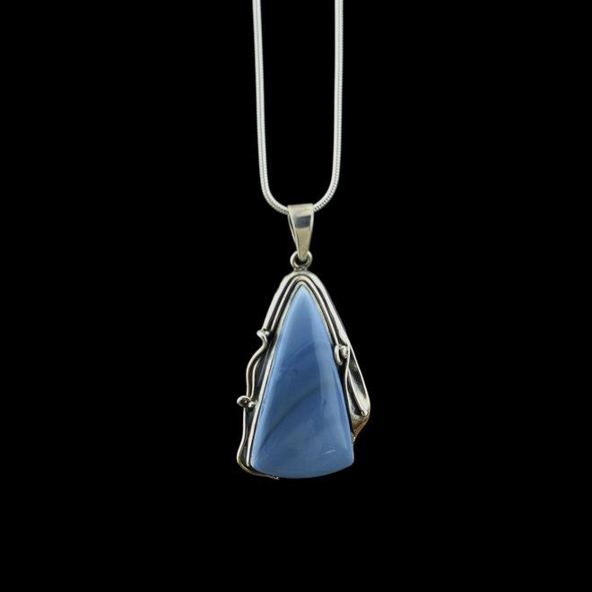 Owyhee opaal hanger 'Elongatae' gezet in 925 zilver uit eigen atelier