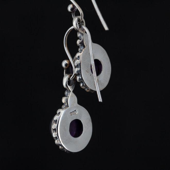 Amethist oorstekers 'Gola', van 925 zilver, gemaakt in India