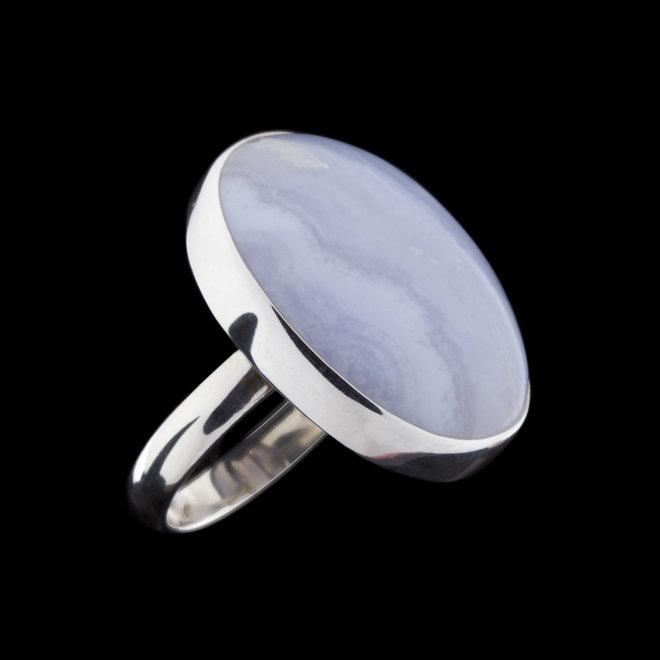 Blauwe chalcedoon ring 'Marmara', gezet in 925 zilver uit eigen atelier