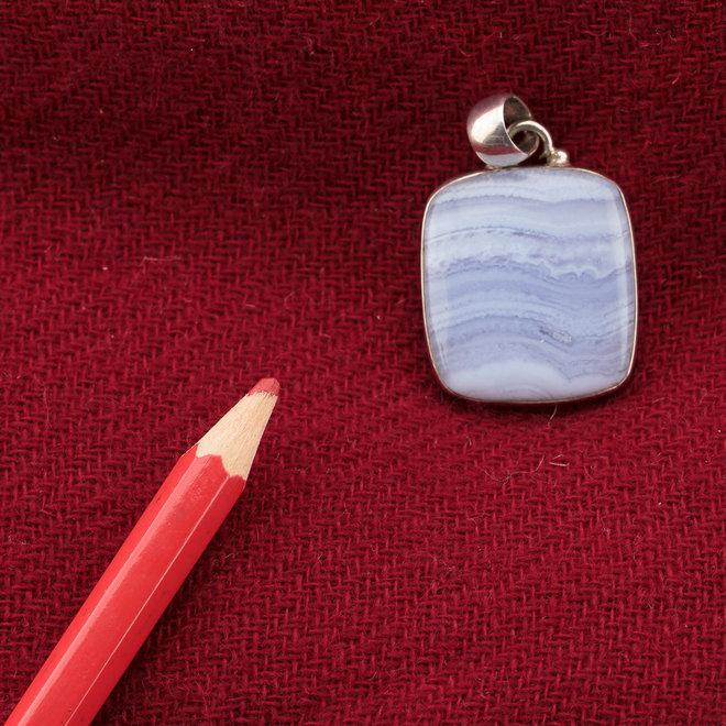 Blauwe chalcedoon hanger 'Square', gezet in 925 zilver uit eigen atelier