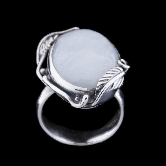 Maansteen ring 'Wisla', gezet in 925 zilver uit eigen atelier