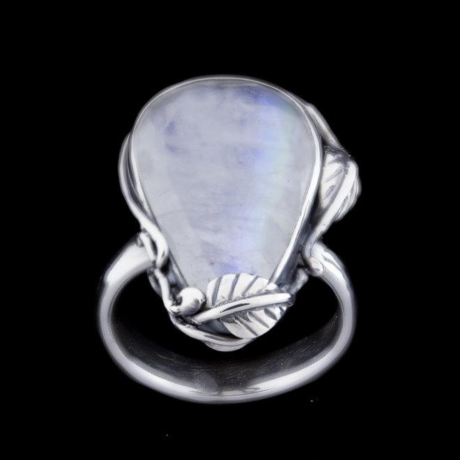 Maansteen ring 'Poire', gezet in 925 zilver uit eigen atelier