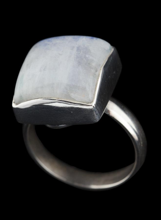 Maansteen ring 'Kwadrat', gezet in 925 zilver