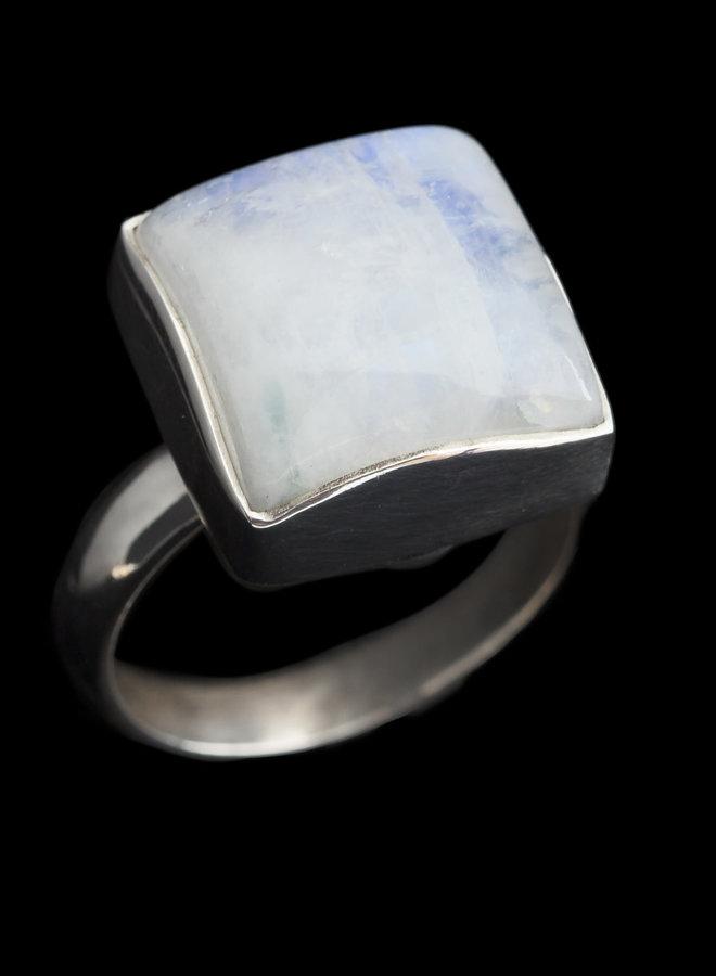 Maansteen ring 'Kwadrat'