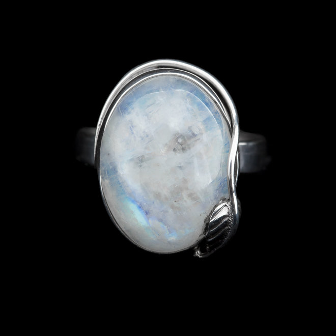 Maansteen ring 'Pyrus', gezet in 925 zilver uit eigen atelier