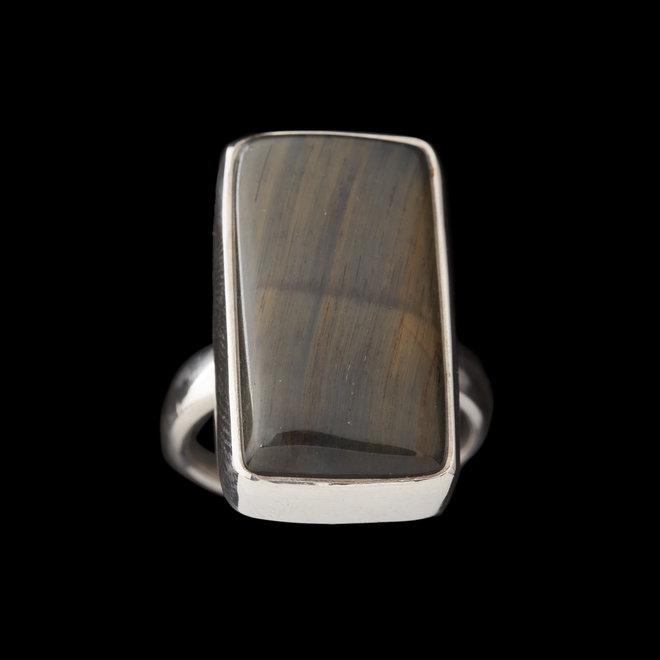 Valkenoog ring 'Nelson', gezet in 925 zilver uit eigen atelier