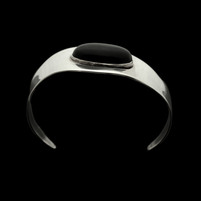 Onyx armband 'Tiamet', gezet in 925 zilver uit eigen atelier