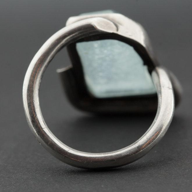 Aquamarijn ring 'Domino', gezet in 925 zilver uit atelier in India