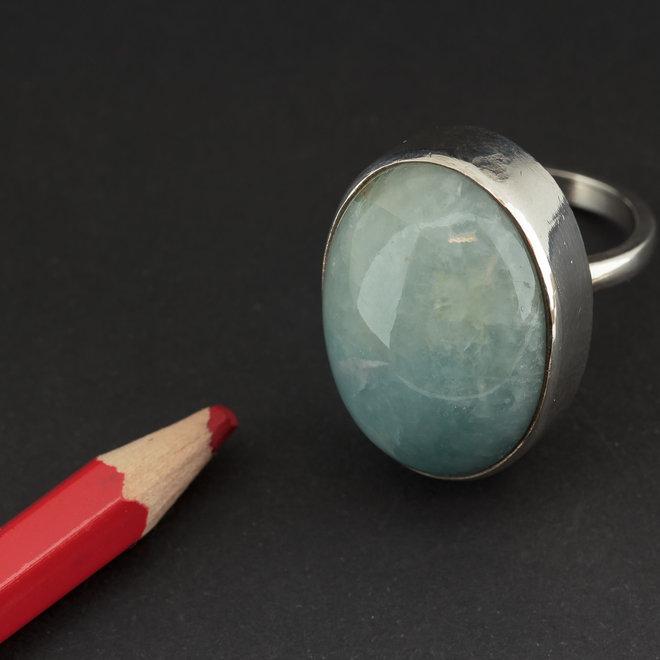 Aquamarijn ring 'Korra', gezet in 925 zilver uit eigen atelier