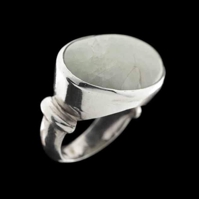Aquamarijn ring 'Serena', gezet in massief 925 zilver uit atelier in India