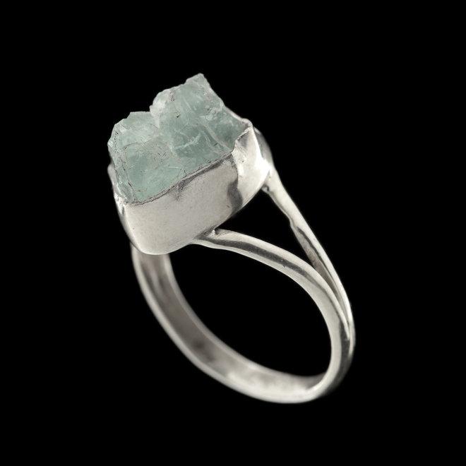 Ruwe aquamarijn ring 'Aqua', gezet in 925 zilver uit atelier in India
