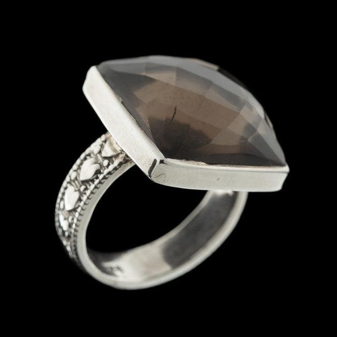 Rookkwarts ring 'Dagda'