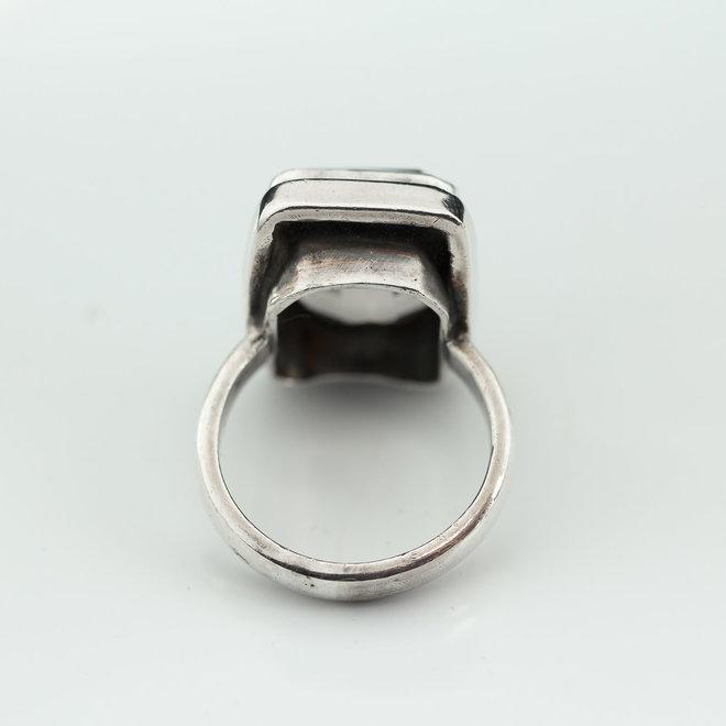 Rookkwarts ring 'Cura', gezet in 925 zilver uit atelier in India