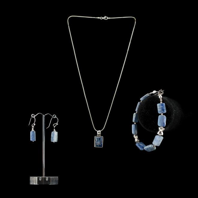 Kyaniet armband 'Frigga' uit eigen atelier