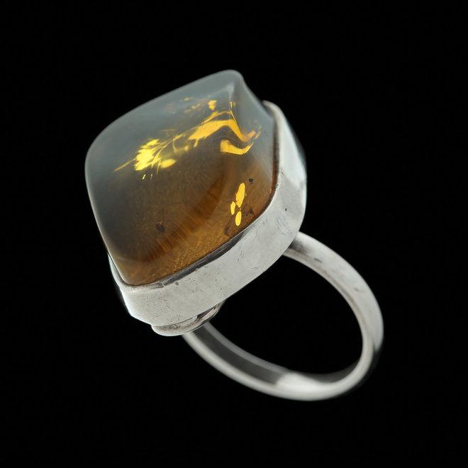 Barnsteen ring 'Frigga' in 925 zilver uit eigen atelier