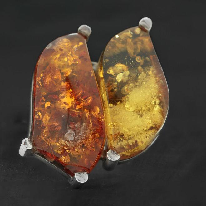 Barnsteen ring 'Duplo', gezet in 925 zilver uit eigen atelier
