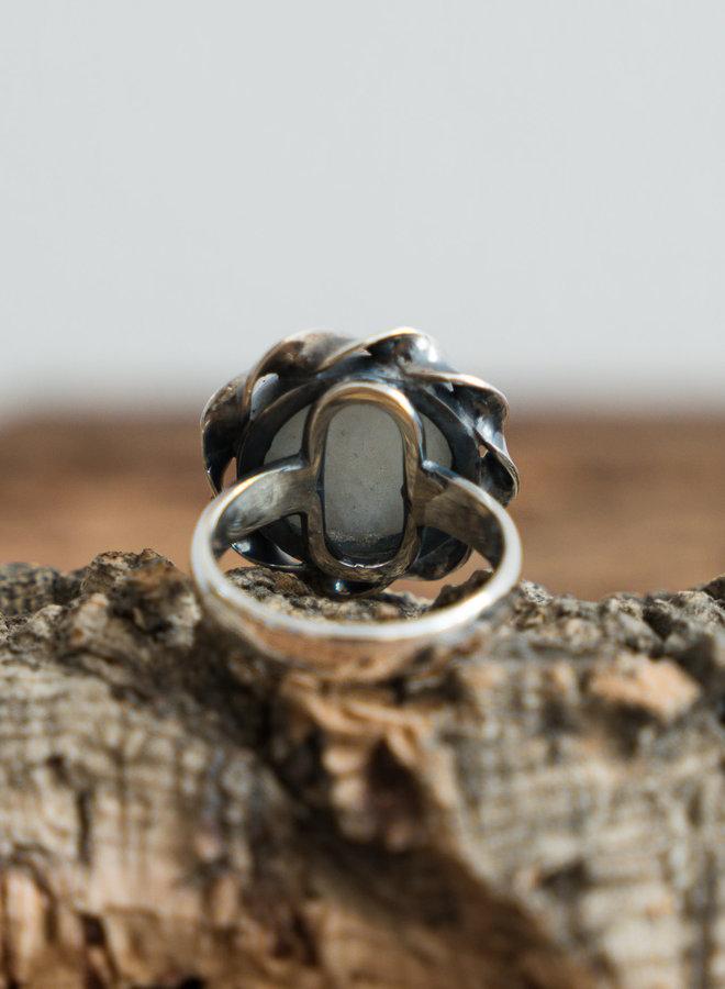 Maansteen ring 'Flora' gezet in 925 zilver uit eigen atelier