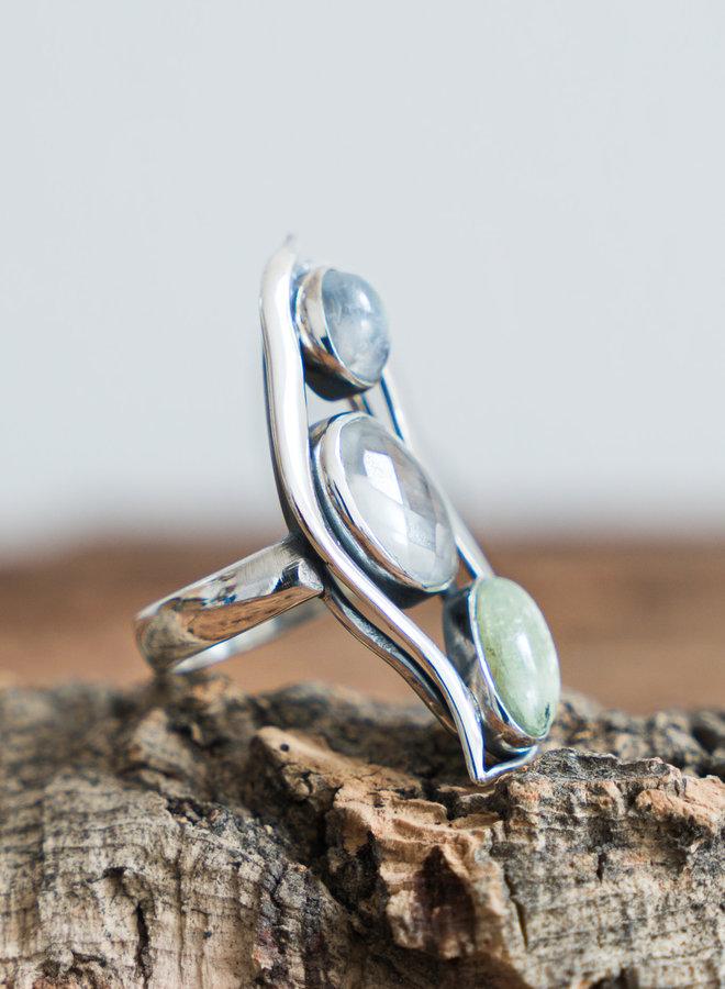 Maansteen bergkristal groene kyaniet ring 'Tryo' gezet in 925 zilver uit eigen atelier