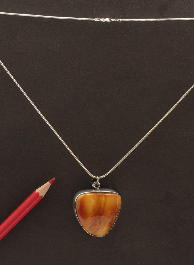 Barnsteen hanger 'Caramel' gezet in 925 zilver uit eigen atelier