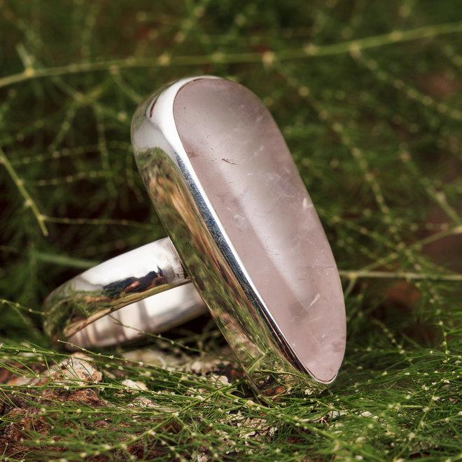 Rozenkwarts ring 'Mitete'