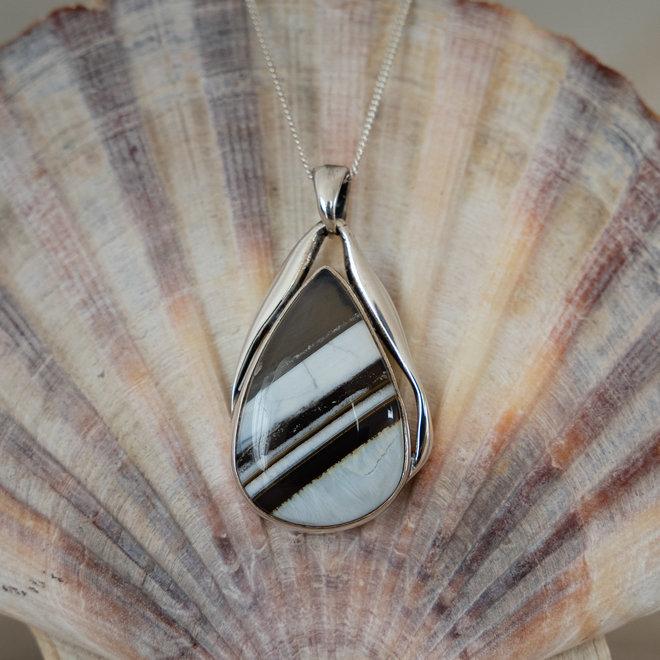 Blauwe Owyhee opaal hanger 'Hiawatha'