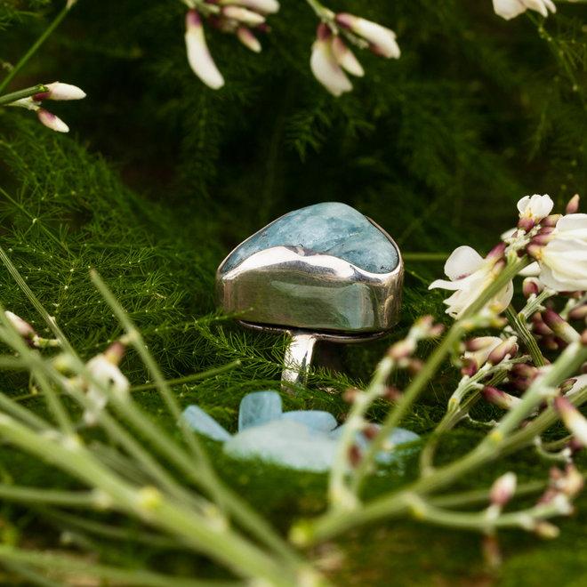Aquamarijn ring 'Marina', gezet in 925 zilver uit eigen atelier