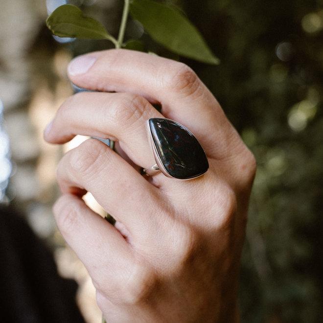 Heliotroop ring 'Nadala', gezet in 925 zilver uit eigen atelier