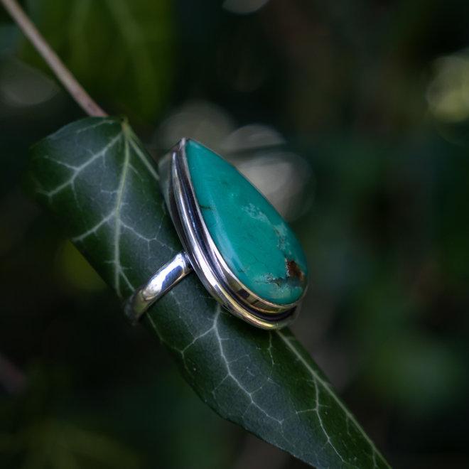 Chrysopraas ring 'Nura', gezet in 925 zilver uit eigen atelier