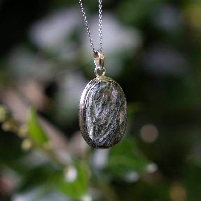 Serafiniet hanger 'Tulun', gezet in 925 zilver