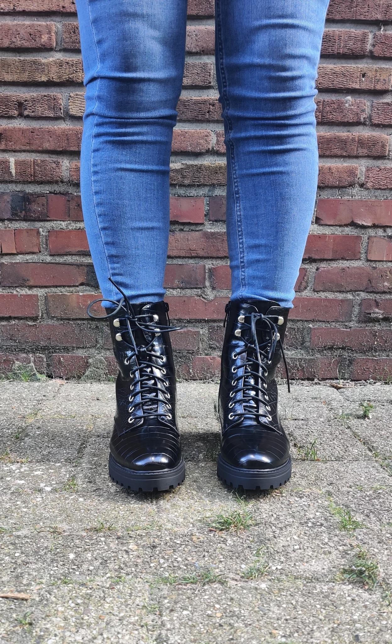 Boots HB 08 veter croco zwart