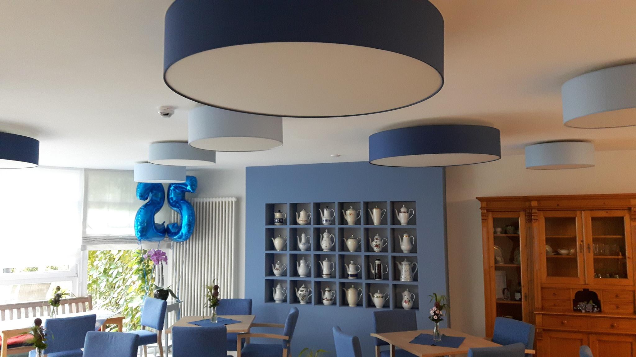 Seniorenheim Deckenleuchten mit Dalen Design Schirmen Klara-Röhrscheidt-Haus Café