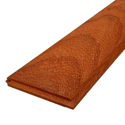 Gevel Mussenbek padouk 15 x 130 x 1550 mm (pak 5 stuks)
