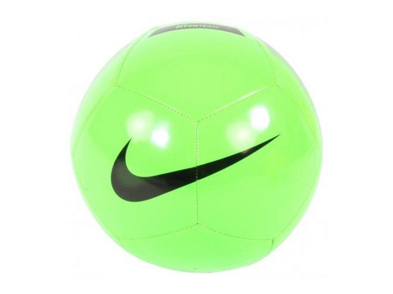 Nike Voetbal Pitch Team Neon Maat 5 groen