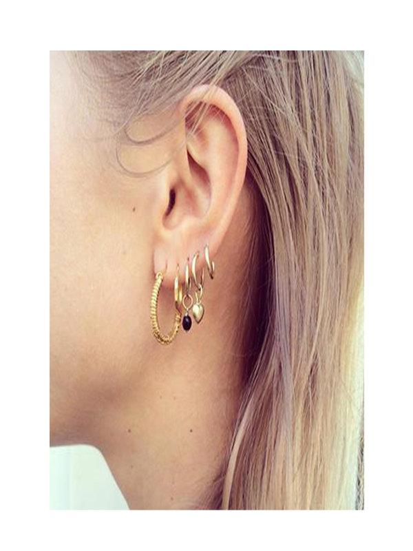 Bobby Rose Classic heart earring