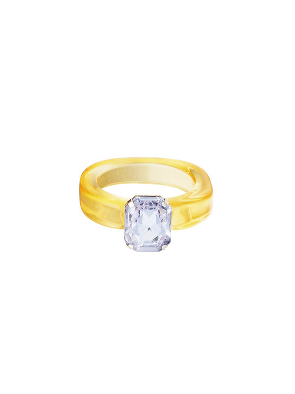 By Sara Collection Gele Plastic Ring met Paarse Steen