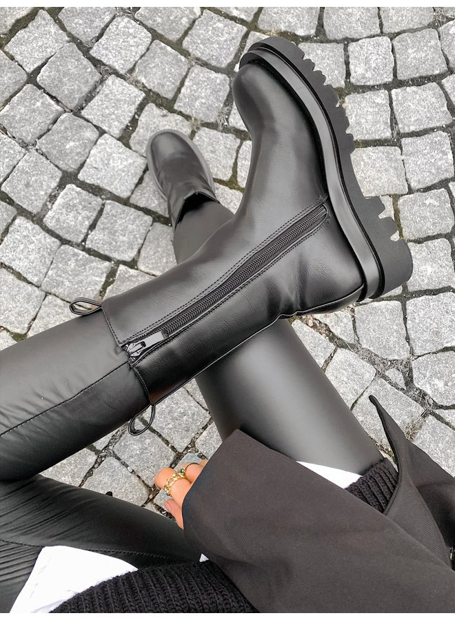 CHUNKY BOOTS x