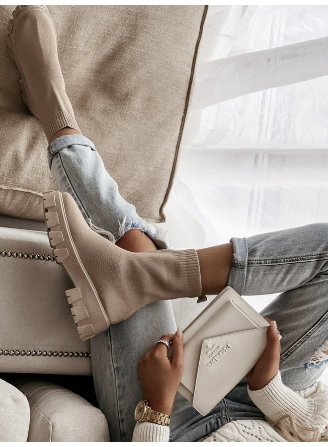 CHUNKY BOOTS BEIGE