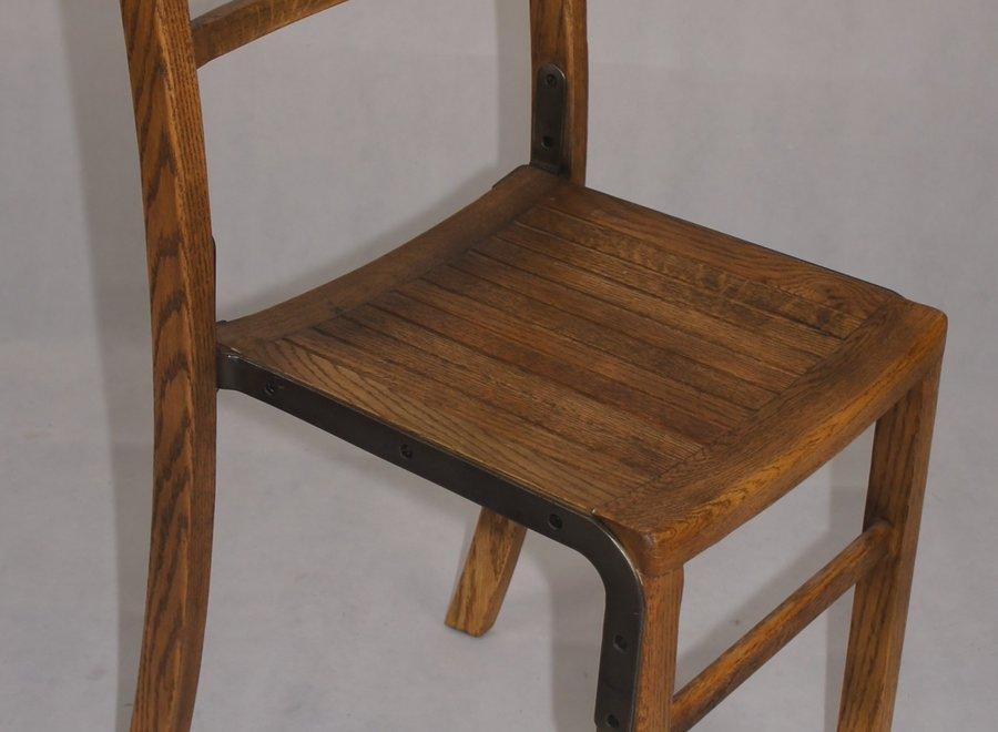 Stevige eiken stoel - UK