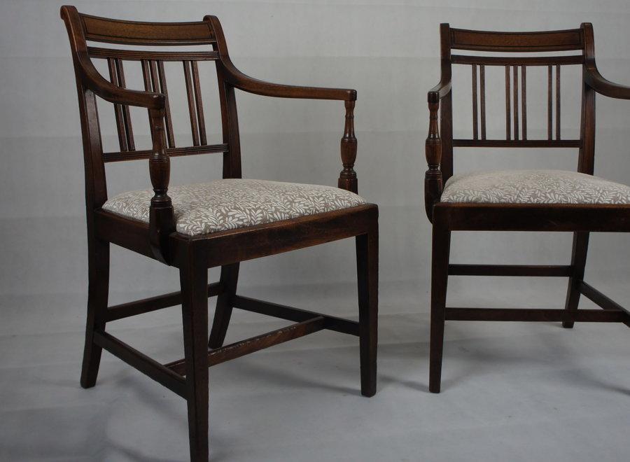2 mahonie stoelen uit George III-periode - UK