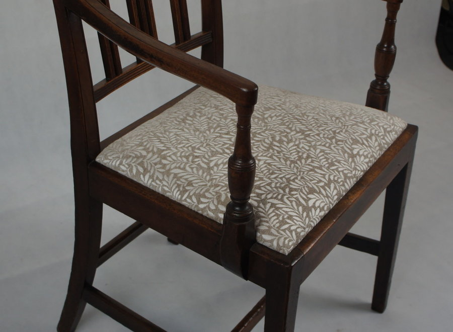 2 mahogany chairs from George III period - UK