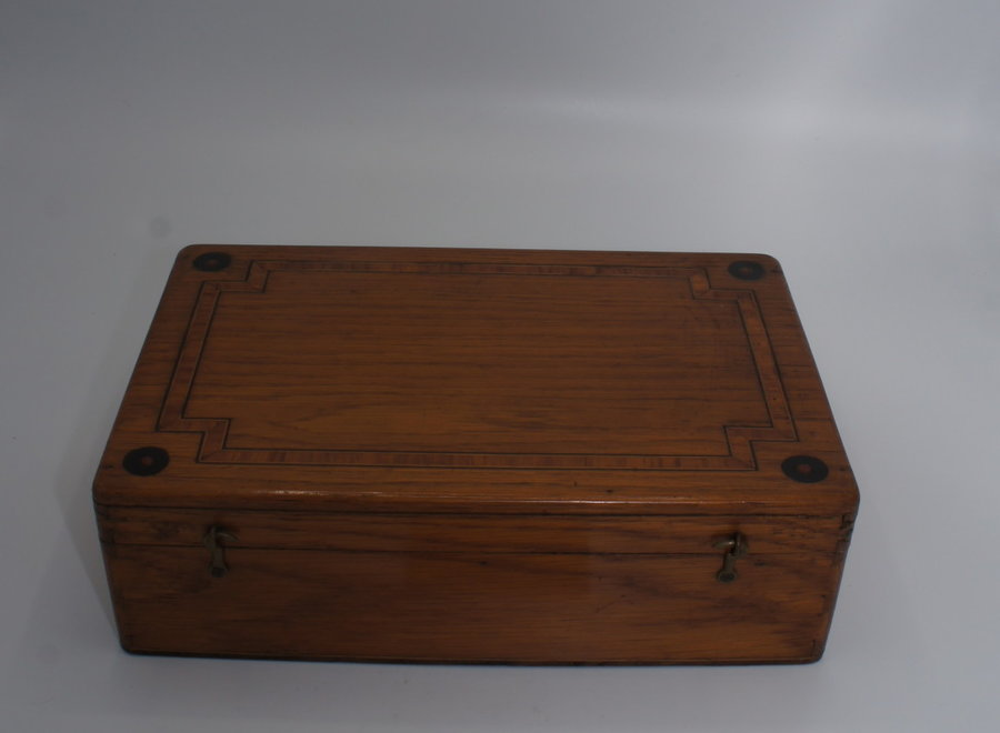 Casket with inlaid wood