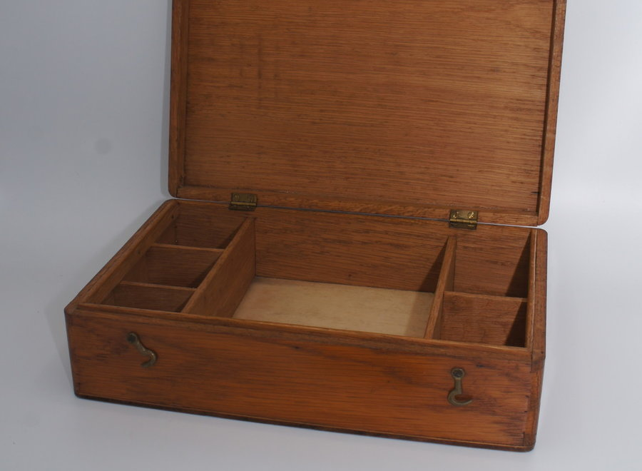 Simple sewing box