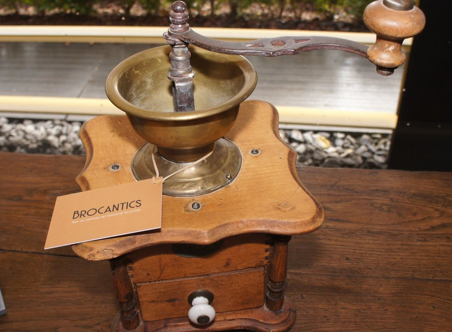 Vintage retro handmatige koffiemaler