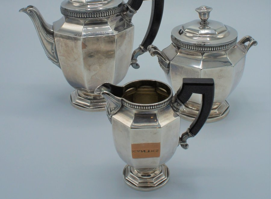 Silver-plated tea set (3)
