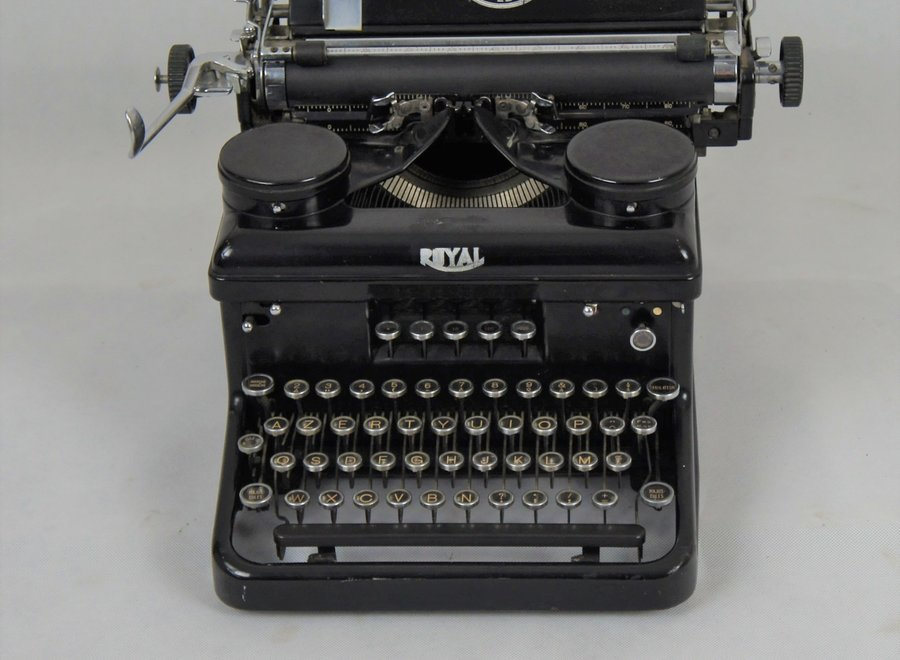"Typewriter ""Royal"""